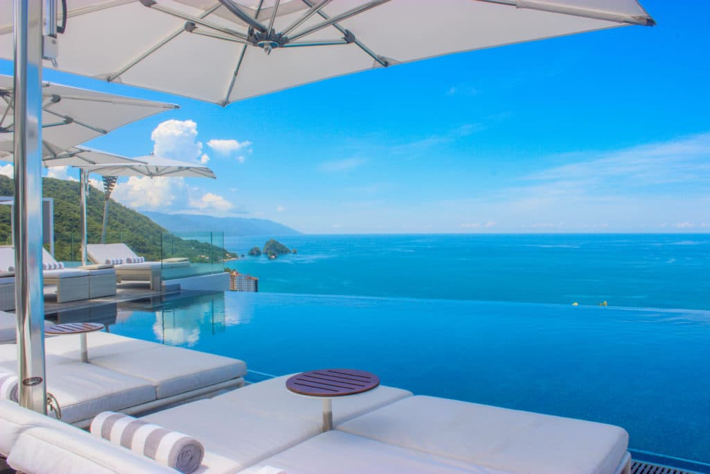 Luxury and Fine Experiences Breaks Records at Hotel Mousai