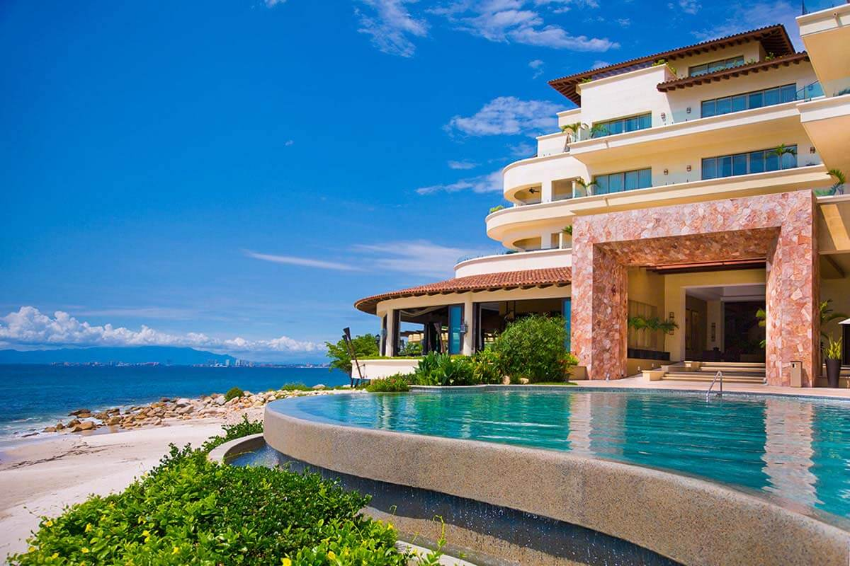 Garza Blanca Puerto Vallarta World Travel Award